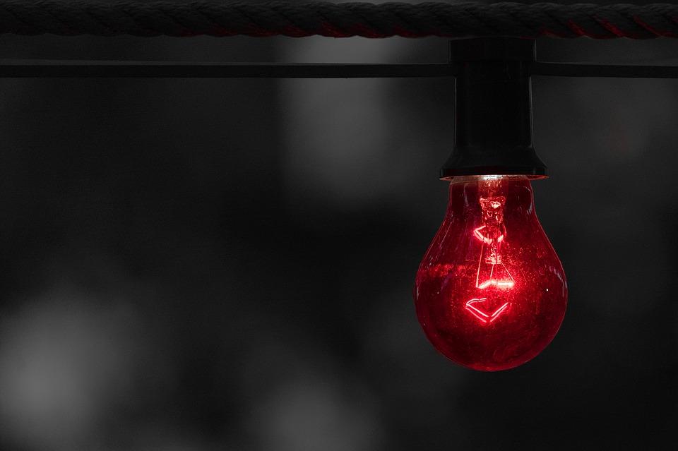 červená žiarovka
