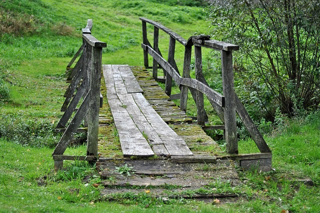 dřevený most